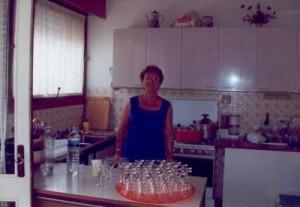 Ma grand mère qui habite à côté de chez nous